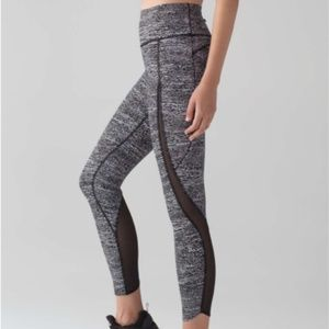 "Lululemon Pace Perfect 7/8 Tight (25"") Size 6"